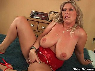 Huge tit amateur mature