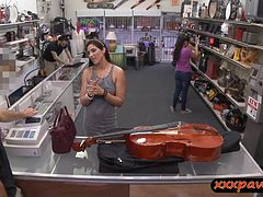 Hottie MILF goes to a pawnshop and pawns her pussy for money